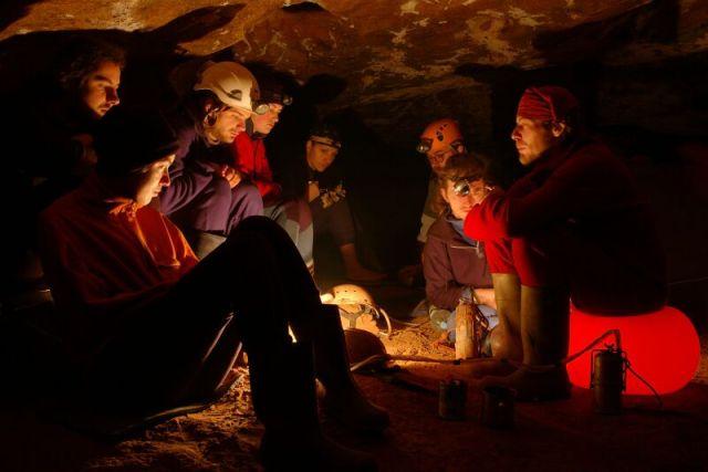 A barlangi táborozásnak is egyedi a hangulata (Szilágyi Palkó Pál felvétele)