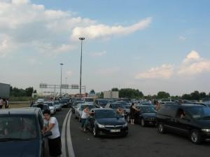 Opelt is toltak a totál-fatál-generál horror magyar-szerb határátkelőnél...