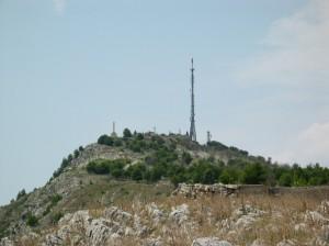 Kezdetben, a helybéliek tanácsára, nem mertük jobban megközelíteni a Dubrovnik fölötti kommunikációs tornyot és Napoleon erődítményét... Az aknák miatt.