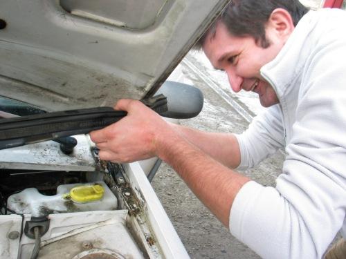 Hiába, jó a Dacia, mindig lehet valamit bütykölni rajta... :)