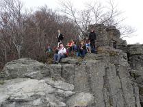 Ebéd a sziklák szélén