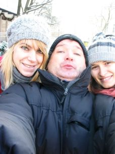 A lányokkal: jobbra Vanda, balra Iza. Am I lucky or what?!