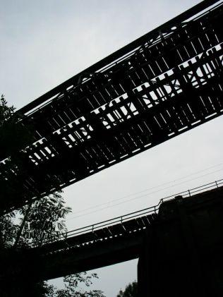 Fölöttünk a vasút