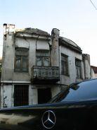 Másnap, szeptember 14-én, hétfőn Tbilisziben bóklászunk. Mellbevágó, mennyire lerobbant az óváros...