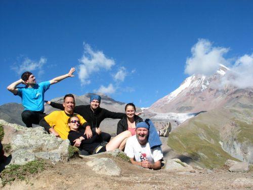 Nincs már sok a meteorológiai állomásik... Balról jobbra: Kruk Zoli, Csoma Boti, Kertész Lenke, Szami, Vanda és jómagam