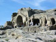 A sivatagra hasonlító régióban Grúzia egyik legősibb városát meglátogatjuk, amelyet már az időszámításunk előtt I. évezredben lakták