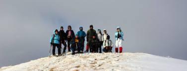 Bár a Zimbroslavele Mari csúcs csupán 1,602 méter magas, a heves szél miatt eléggé nehéz volt feljutnunk