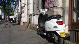 Gyors, stílusos, nagyon keveset fogyaszt, könnyen és igyen parkolható. Tökéletes lányfogó... :) Mi kell még?