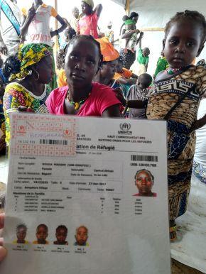 Regisztrálják őket, menekült státust kapnak