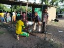 Az Európai Unió támogatásával az egyik menekülttáborban biciklijavító műhelyt létesített egy menekült. A 2014-ben létesített táborból lassan falu lett, kiskereskedők, útszéli üzletek jelentek meg