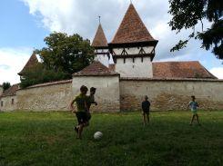 Az erdélyi szász gyermekek mit csináltak szabadidejükben?