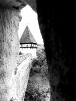 A 17. században az Erdélyi Fejedelemség létrejötte után a székelyek, a magyar nemesség és a szászok szövetségre léptek (Unio trium nationum) a török hódítók ellen. A szászok kiépítettek egy egész Európában egyedülálló templomerőd-láncot. Veszedelem esetén a lakosság a templomerődben talált menedéket. A szászok városainak gyors kiépülése oda vezetett, hogy Erdély német nevét (Siebenbürgen) a hét legnagyobb erődített szász városról kapta