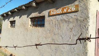 A nők építették fel a barakkokat