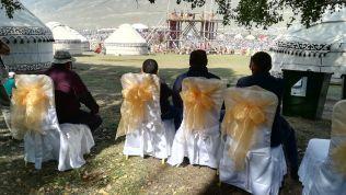 Esküvői székekből nomád játékokat...
