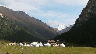 Kolozsvárhoz közel is van ilyen település, itt viszont egy csodás hegyet neveztek el így: Palatka. Magassága: 5020 méter