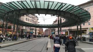 Strasbourgban az Homme de Fer elnevezésű villamos állomáson ültem fel a D villamosra Kehl Bahnhof irányába