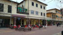 Marigona Residence elnevezésű luxus lakótelep Pristina közvetlen közelében. Tiszta Amerika. Az utcák neve… lásd odébb