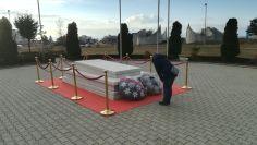 Ibrahim Rugova az ország első elnöke volt. Sírhelye a szálláshelyünk, a Velania Vengégház közelében helyezkedik el