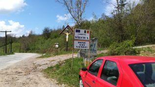 A panziótól Torda irányába körülbelül 2 kilométert mentünk, innen kezdődik az útvonal...