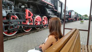 Bresztben külön érdekesség a mozdonymúzeum, ahol a gőzzel hajtott óriásokat tekinthettük meg…