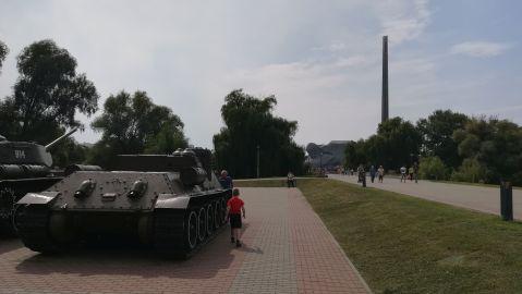A Breszti Erőd előtti ismét tankok üdvözöltek bennünket…