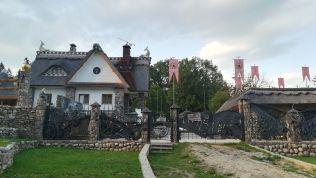 Ilyen építkezési stílus is van Fehéroroszországban... :)