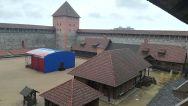 Lida vár az egyik leghíresebb Fehéroroszország építészeti műemlékei. Gedimin herceg parancsára 1323-ban alapították. Fő célja, hogy megvédje a földeket a Litván Nagyhercegség keresztyénektől, akik kedvelték Európa e részének nagyvonalú földjét. A kastély kétes esztétikai érzékkel rendelkező építészek restaurálják…