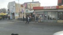 A metrómegálló és környéke tbiliszi külvárosában