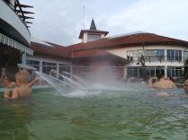 Sóstó Gyógyfürdő: a Hunguest Hoteltől zárt folyosón közvetlenül átsétálhattunk az Aquarius fedett élmény- és parkfürdőbe