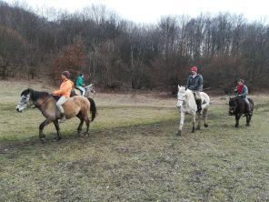 Gyakorlatoznak a Kalotaszegi Turul Nomád Hagyományőrző Egyesület tagjai