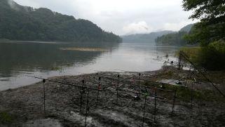 A horgászok próbálják kisajátítani az egész tavat