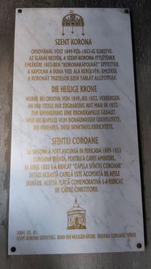 Felirat az orsovai római katolikus templom bejáratánál