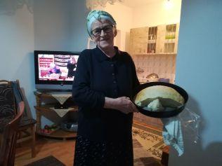 Fatima saját készítésű kenyérrel lepett meg...