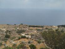 Egyik nap a Balázs által rendelkezésre bocsátott biciklire pattantam, és felbringáztam Málta legmagasabb pontjára. Ez a Ta' Dmejrek, magassága pedig szédítő 253 méter… :)